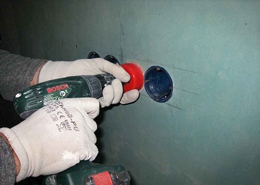 Установка розеток в гипсокартон: инструкция