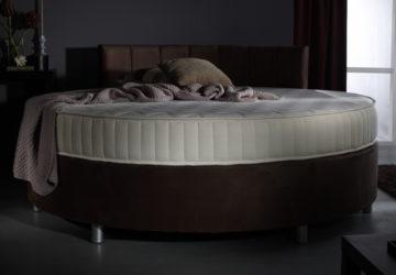 Круглая кровать в спальной комнате (23 фото)